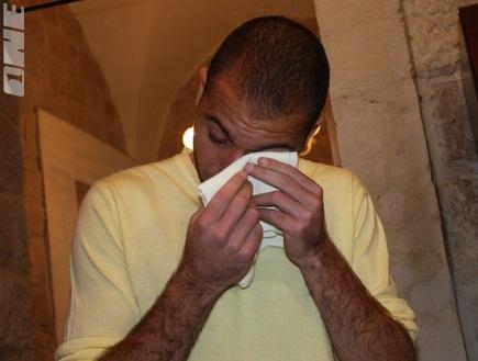 ברוכיאן מנגב את הדמעות (גיא בן זיו) (צילום: מערכת ONE)