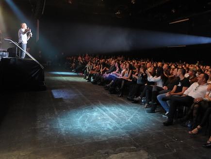 אייל גולן האנגר (צילום: שרון רביבו)