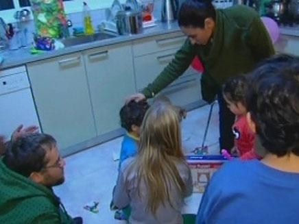 המשפחה שהפכה למשפחתון (צילום: חדשות 2)