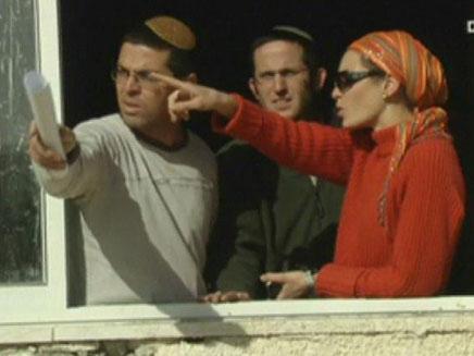 פלשו לבית פלסטיני ודורשים בעלות (צילום: חדשות 2)