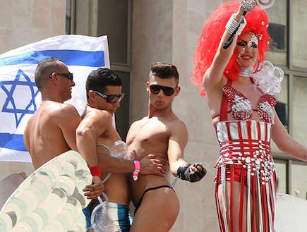 מצעד הגאווה תל אביב 2011 (צילום: שאול אלפיה בעבור קמפיין עידוד התיירות הגאה )