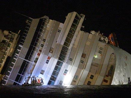 ספינת הפאר שטבעה (צילום: רויטרס)