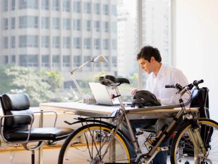 אופניים במשרד