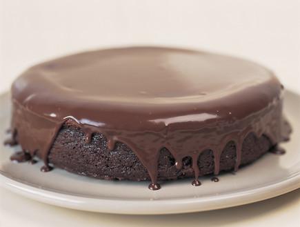 עוגת חוצפה (צילום: מיכל לנרט, ספר השוקולד, מבית על השולחן)