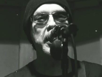 רוני פיטרסון – Hey Hey (ריינבו) (תמונת AVI: mako)
