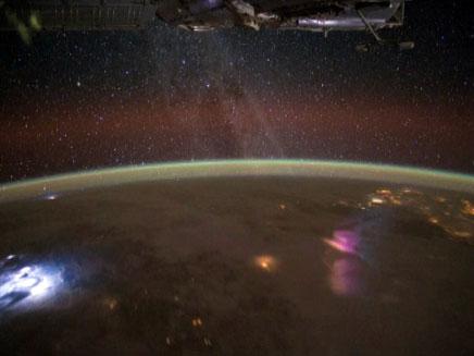 כך נראה שביל החלב מהחלל (צילום: NASA)