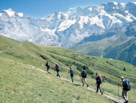 טרק רגלי בהרים - אויר פסגות (צילום: ויזו'אל, גטי, גלובס)