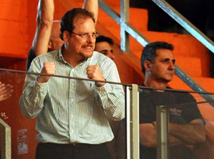 יש מאמן. רוזן (ניר בוקסנבאום) (צילום: ספורט 5)
