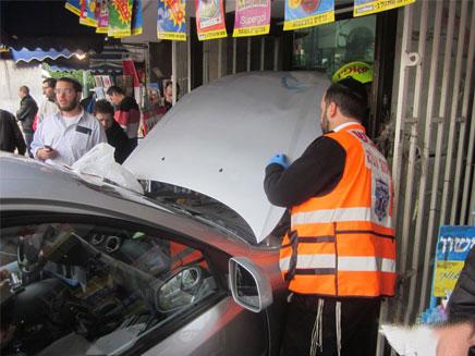 התאונה, הבוקר בגבעת שמואל (צילום: אבי הכהן, חדשות 24)