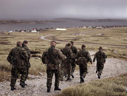 חיילים באיי פוקלנד (צילום: Peter Macdiarmid, GettyImages IL)