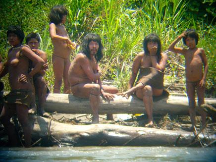 בני שבט המאסצ'ו-פירו (צילום: רויטרס)
