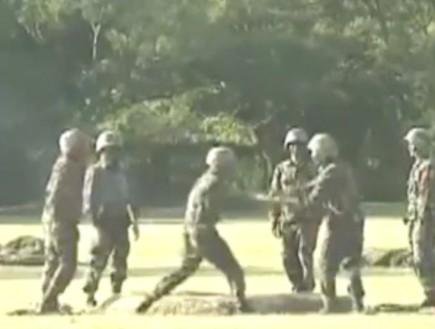 חיילים סינים (צילום: youtube)