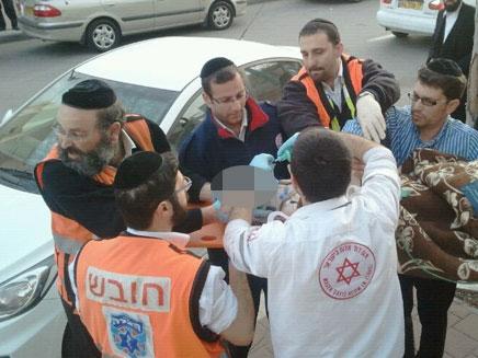 פינוי הילד לבית החולים, היום (צילום: חדשות 24)