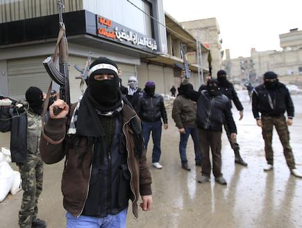 צבא סוריה החופשית (צילום: REUTERS/Ahmed Jadallah)