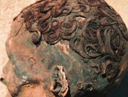 במצרים העתיקה גם השתמשו בג'ל לשיער (וידאו WMV: express.co.uk)