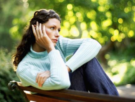 אישה בודדה (צילום: אימג'בנק / Thinkstock)