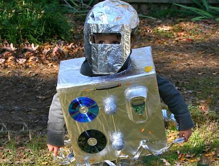 רובוט - תחפושות שוות (צילום: לקוח מאתר inhabitots.com)
