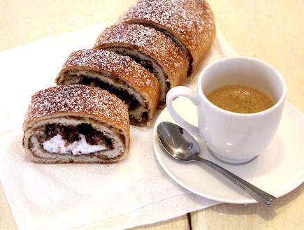 קרמבו -עוגת שמרים (צילום: אסתי רותם, דרך האוכל)