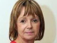נדיר: האישה שמקיאה יותר ממאה פעמים ביום (וידאו WMV: dailymail.co.uk)