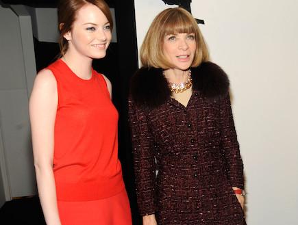 אנה וינטור ואמה סטון בשבוע האופנה בניו יורק לקראת (צילום: Rabbani and Solimene Photography, GettyImages IL)