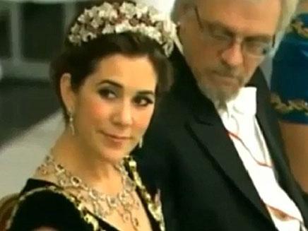 נתפס מציץ במחרוזת של הנסיכה מרי (צילום: חדשות 2)