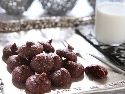 מקרון עם מרציפן ושוקולד (צילום: בני גם זו לטובה, אוכל טוב)