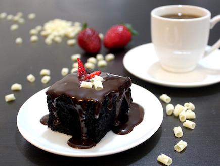 עוגת שוקולד (צילום: אסתי רותם, אוכל טוב)
