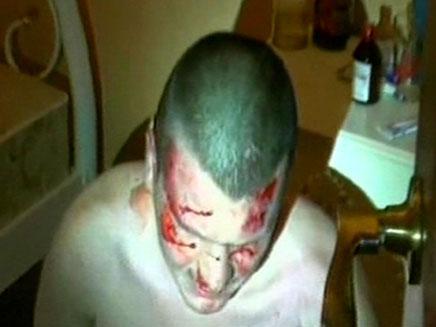 אחד מחברי החוליה בעת המעצר (צילום: חדשות 2)