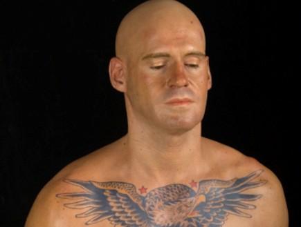 הפסלים הסופר-ריאליסטיים של מארק סיג'אן (וידאו WMV: marcsijan.com)