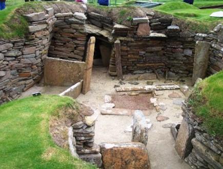 מחילות תת-קרקעיות פרה-היסטוריות מתחת לכל אירופה (וידאו WMV: ויקיפדיה)