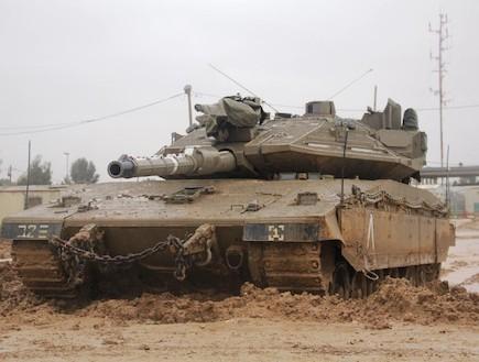 """מרכבה סימן 4 - מבט מבפנים (צילום: דובר צה""""ל)"""