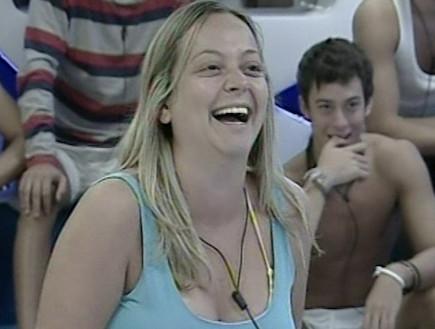 סופי פונה לדיירי הבית בשידור חי מארגנטינה (תמונת AVI: mako)