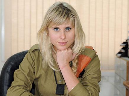"""אלין לוי. עשתה כבוד לפקידות הצבאיות (צילום: איתי כהן, """"במחנה"""")"""