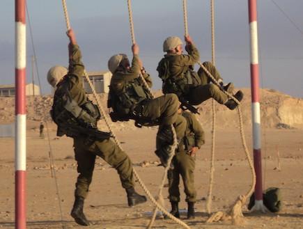 """לוחם גבעתי (צילום: דובר צה""""ל)"""