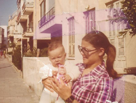אני ובני הבכור שגיא - מיכל דליות (צילום: תומר ושחר צלמים)