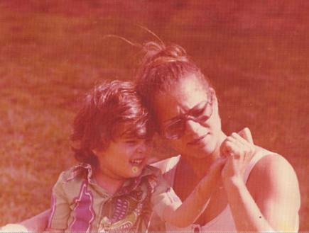 אני ובני הבכור שגיא כשהיה בן ארבע - מיכל דליות (צילום: תומר ושחר צלמים)