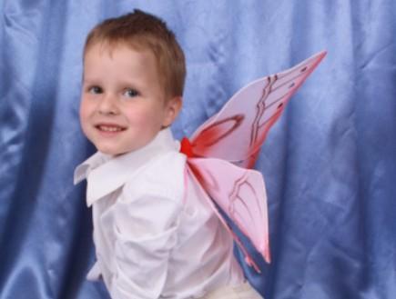 ילד מחופש לפרפר (צילום: אימג'בנק / Thinkstock)