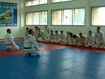 חוג ג'ודו בבית הספר (צילום: חדשות 2)