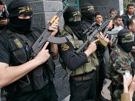 חמושי הג'יהאד בעזה, אתמול (צילום: רויטרס)