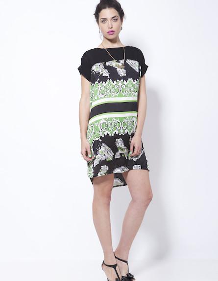 שמלה שחורה עם הדפסי פייזלי ירוקים (צילום: סטודיו רון קדמי)