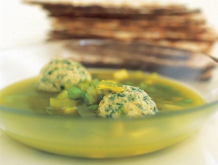 מרק ירוק לפסח (צילום: מיכל לנרט, אוצר מאכלי העדות, על השולחן)