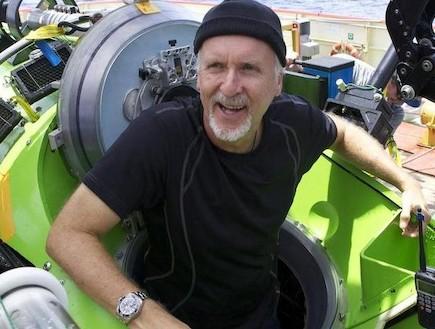 ג'יימס קמרון בצוללת (צילום: bbc.co.uk)