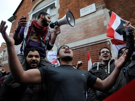 ההמונים יצביעו למועמד האחים המוסלמים? ארכיון (צילום: reuters)