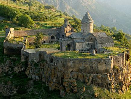 המנזר הכי יפה - דרך המשי יוצר Alexander Naumov (צילום: Alexander Naumov)