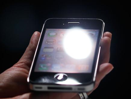 אייפון (וידאו WMV: Chris Hondros, GettyImages IL)