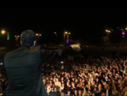 מאור אדרי בהופעה לקותי (צילום: נהוראי חובב ביטון)