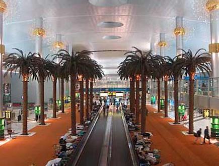 דוכנים למכירת כרטיסים בדובאי - אטרקציות בשדה התעופ (צילום: לקוח מאתר rayliimg.cn)