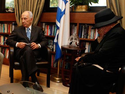 """""""כולם מגויסים למטרה"""", עם הנשיא פרס (צילום: אורי לנץ/פלאש 90)"""