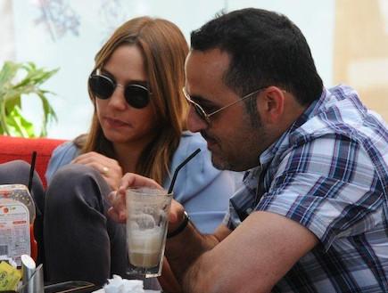 עמית פרקש וקובי אפללו בקפה, אפריל 2012 (צילום: ברק פכטר)