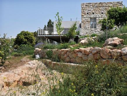 ממן אדריכלות - חצר1